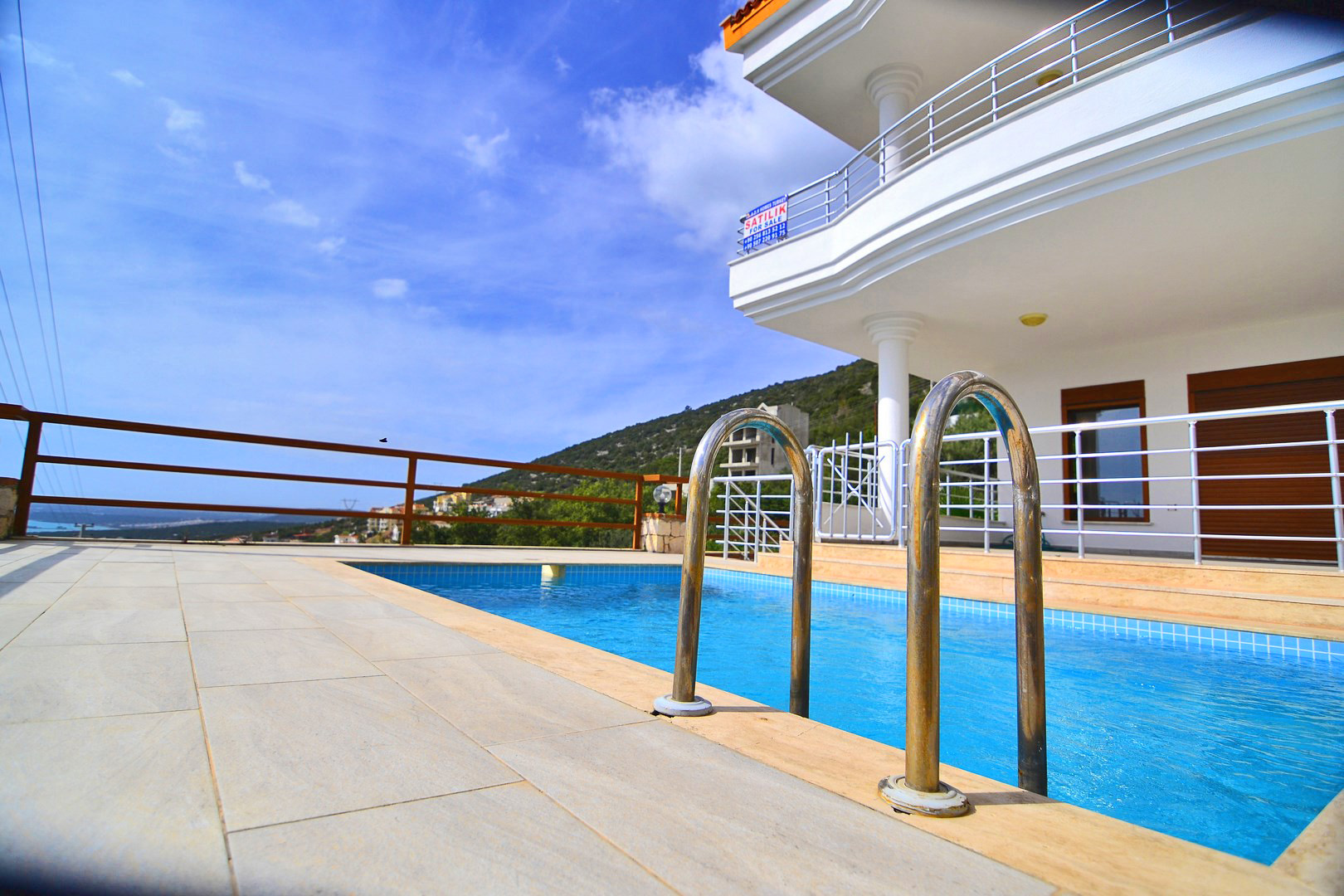 Detached Villa with private pool for sale in Akbuk (SOLD)