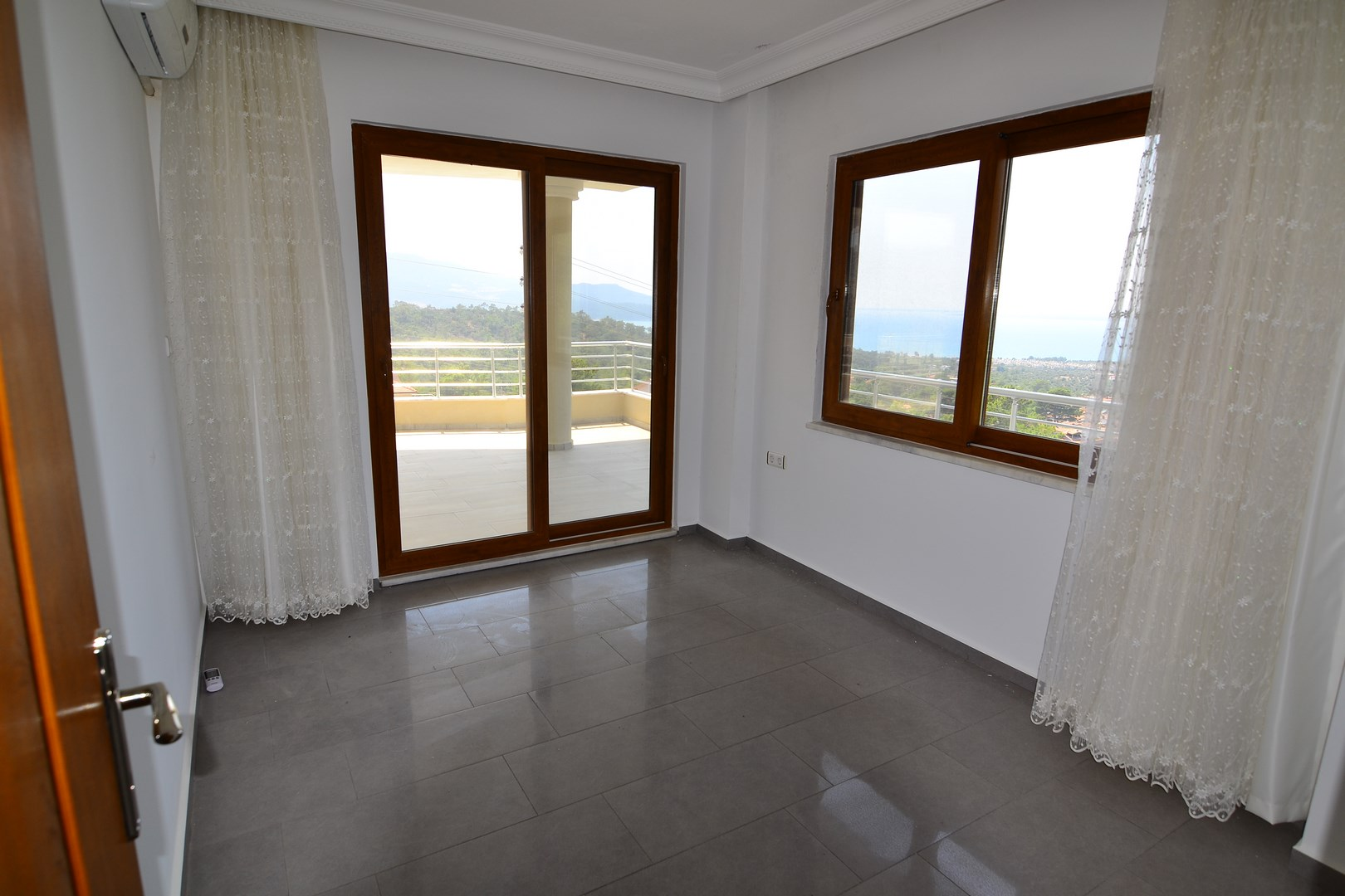 Detached Villa with private pool for sale in Akbuk